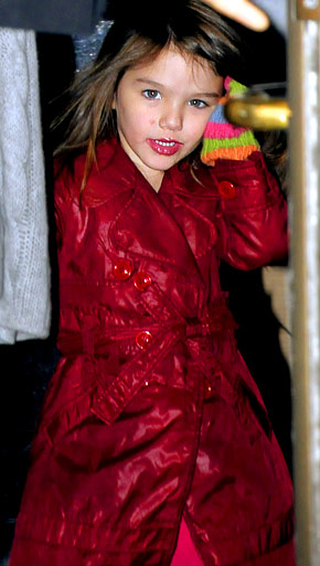 Suri Cruise wearing lipstick