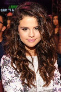 selena-gomez-beach-hair-how-to