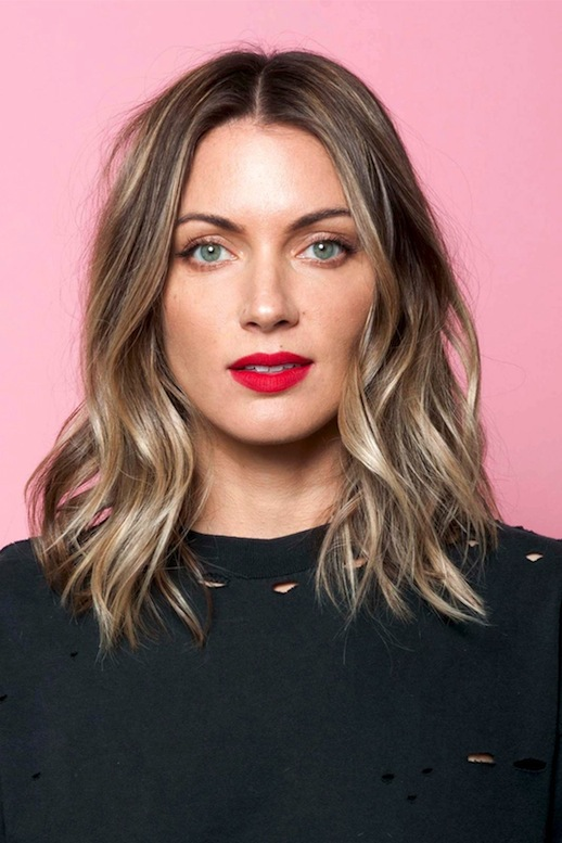 8-Le-Fashion-Blog-25-Inspiring-Long-Bob-Hairstyles-Lob-Wavy-Hair-Red-Lipstick-Via-Refinery29