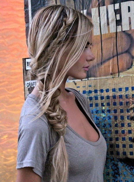messy-fishtail-braid-for-long-hair